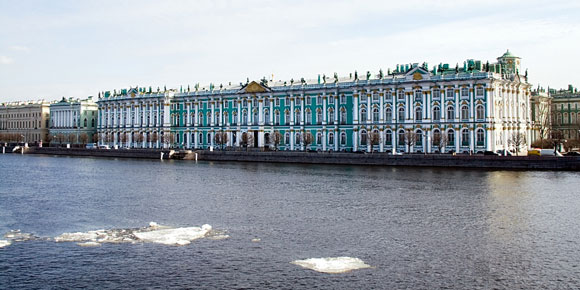 winter palace - hermitage museum - st petersburg, russia